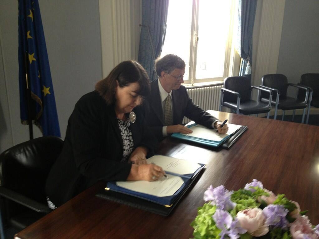 Máire Geoghegan-Quinn și Bill Gates